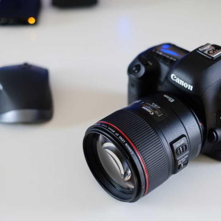 کانن EF 85mm f1.4L IS بررسی لنز